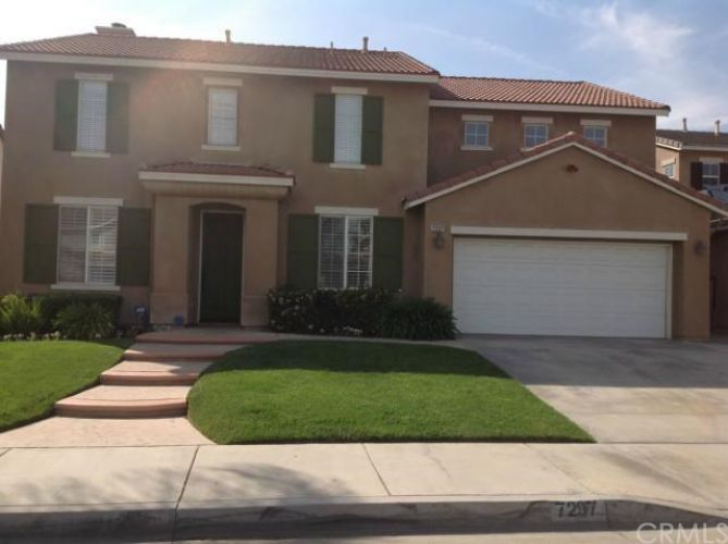 7297 Corona Valley Avenue , Eastvale, CA 92880