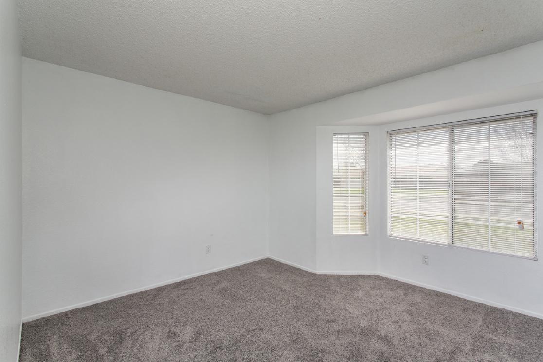 7065 Loma Vista Avenue, Hesperia CA: