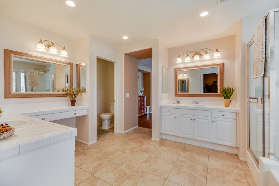 46229 Jon William Way, Temecula CA: