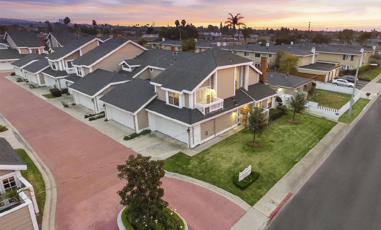 2442 Elden Avenue, Costa Mesa CA: