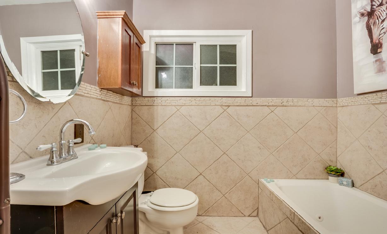 9244 Maryknoll Avenue, Whittier CA:
