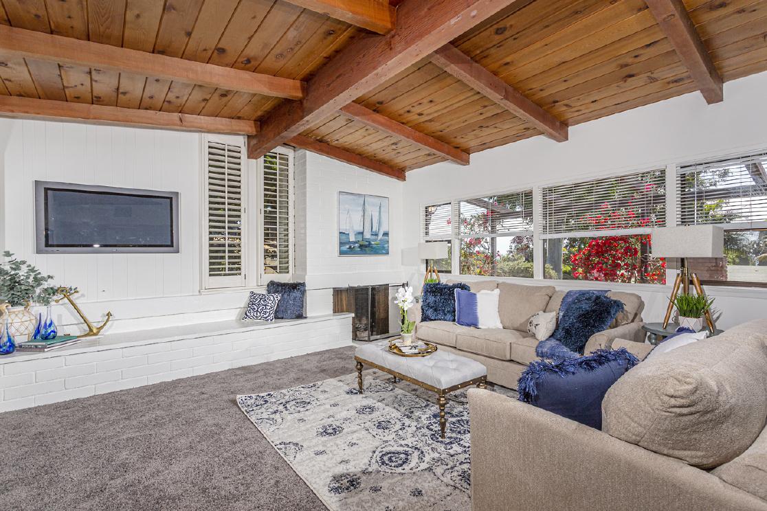 452 Van Dyke Avenue, Del Mar CA: