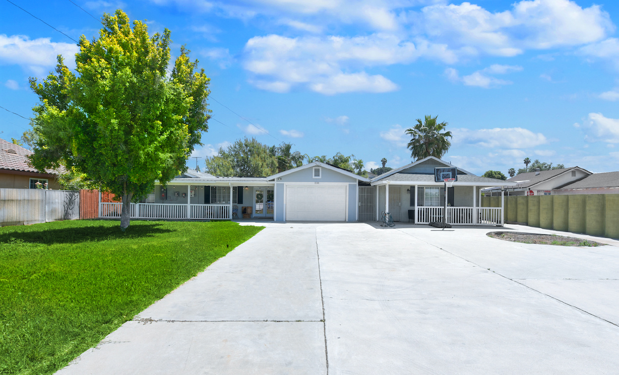 1244 N Orange Street, Riverside CA: