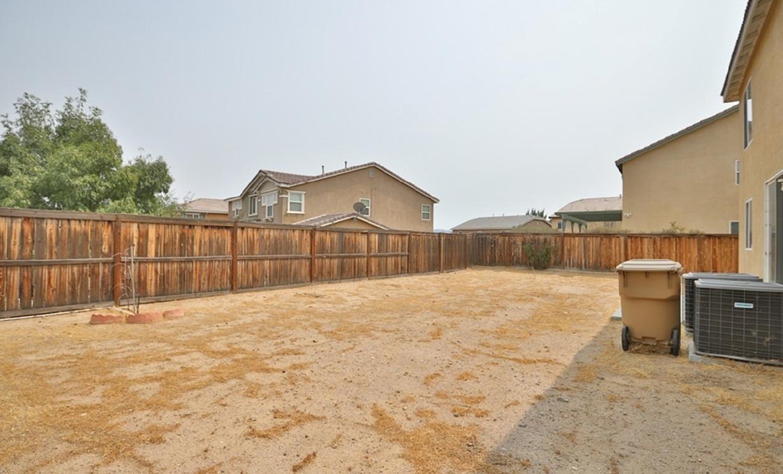 9511 Tanzanite Avenue, Hesperia CA:
