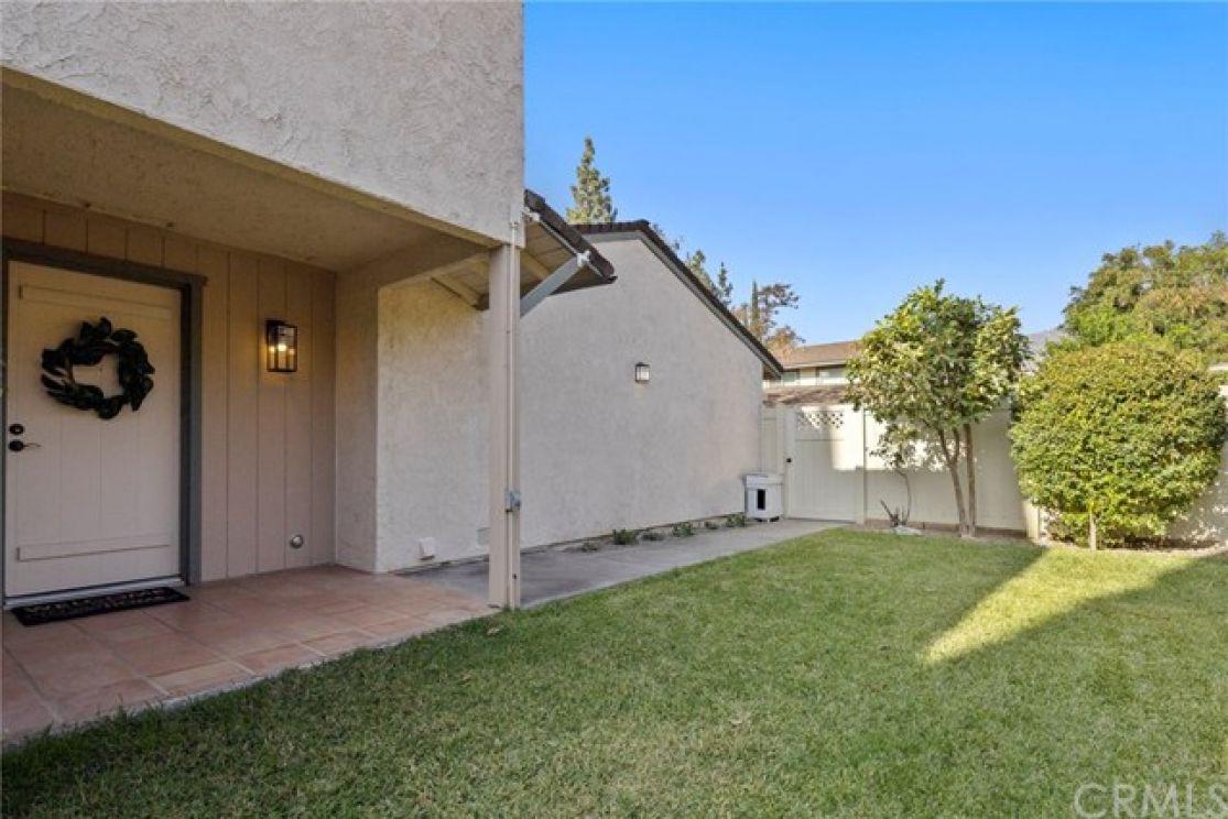 850 E Laurel Oak Drive, Azusa CA: