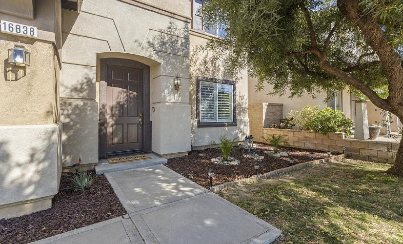 16838 Cascades Place, Fontana, CA 92336
