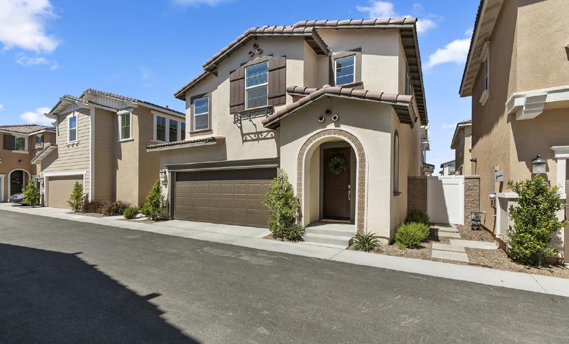 6017 Oatfield Ave, Eastvale, CA 92880