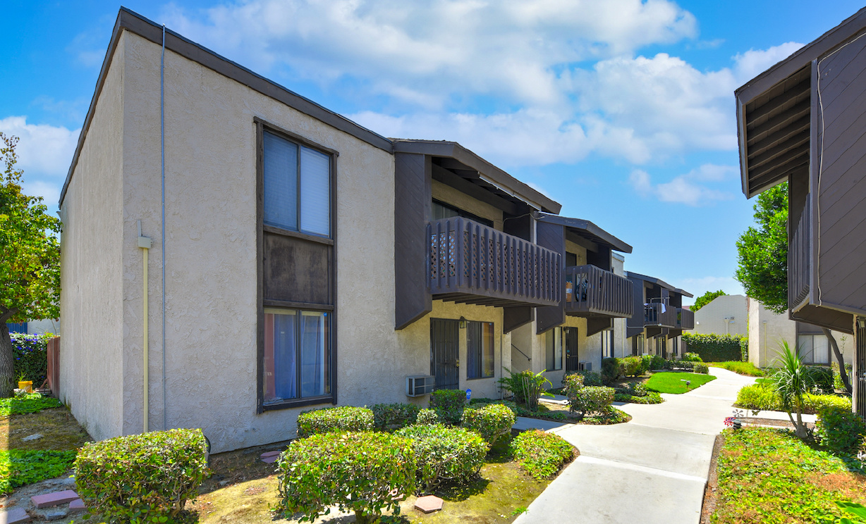 17628 Alburtis Avenue, Artesia CA: