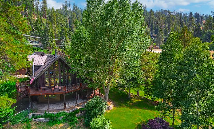 956 Knickerbocker Road, Big Bear Lake, CA 92315